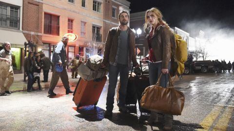 """A married couple moves to North Dakota looking for high-paying jobs, but things don't come that easy on ABC's """"OIL."""""""