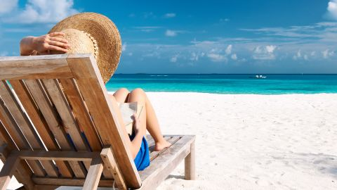 """Time for sun, sand and surf ... and your favorite beach read. Whether you want a celebrity confessional, summer romance novel, a murder mystery or a spy thriller, Amazon's book editors have a summer beach read for you. <a href=""""http://www.amazon.com/b?ie=UTF8&node=9164523011"""" target=""""_blank"""" target=""""_blank"""">Here are their 20 picks for your summer beach reading</a> pleasure."""