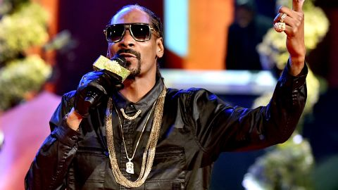 """Snoop Dogg has used Auto-Tune in the album (and the song of the same name) <a href=""""https://www.youtube.com/watch?v=Y1PVmANeyAg"""" target=""""_blank"""" target=""""_blank""""><em>Sensual seduction</em></a>."""