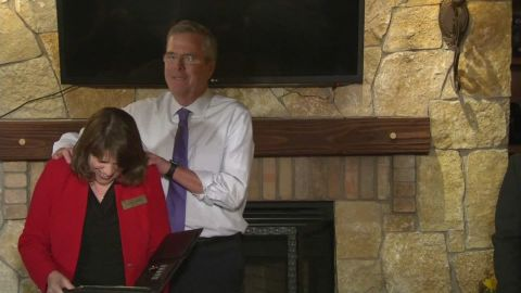 Jeb Bush Massage New Hampshire _00001113.jpg