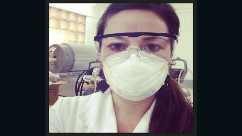 """""""By the way, I am so #distractinglysexy preparing graphene that sometimes I cry,"""" tweeted @Daniela_BaezM."""