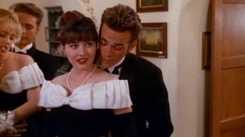 """Dylan McKay and Brenda Walsh (Luke Perry and Shannen Doherty) were the """"It"""" couple on """"Beverly Hills 90210,"""" helping the show become one of Fox's first hits. But there was friction between Doherty and other cast members, and that was it for romance"""
