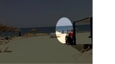 amateur video tunisia attack pkg paton walsh wrn_00013306.jpg