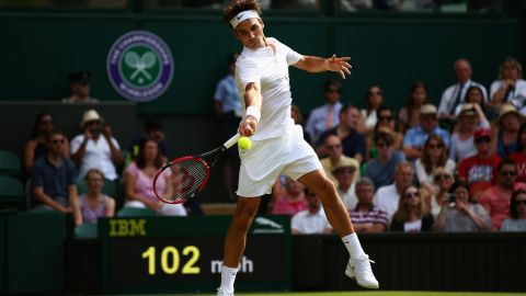 Seven-time Wimbledon champion Roger Federer had few problems progressing into the third round, beating American Sam Querrey in straight sets.