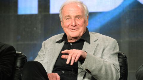"""<a href=""""http://www.cnn.com/2015/07/06/entertainment/feat-obit-jerry-weintraub-dies/"""" target=""""_blank"""">Jerry Weintraub</a>, the high-powered Hollywood mogul whose career included promoting Elvis Presley concerts, producing the """"Ocean's Eleven"""" movies and spinning golden tales, died July 6 of cardiac arrest, his publicist said. He was 77."""