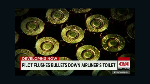 united airlines pilot flushed live ammo_00001714.jpg