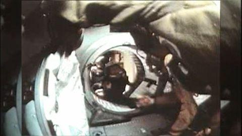 space handshake anniversary morgan pkg_00003217.jpg