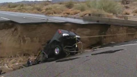bridge collapse i10 van dam lklv_00000708.jpg
