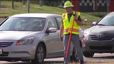 cops disguise construction workers distracted driver text georgia_00000320.jpg