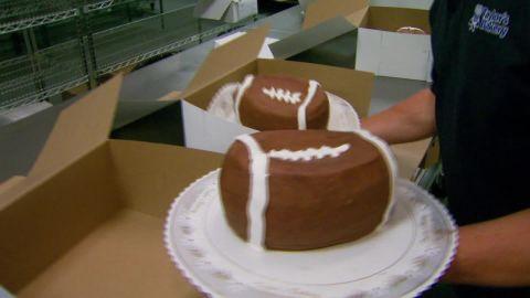 deflategate cake indianapolis pkg_00004721.jpg