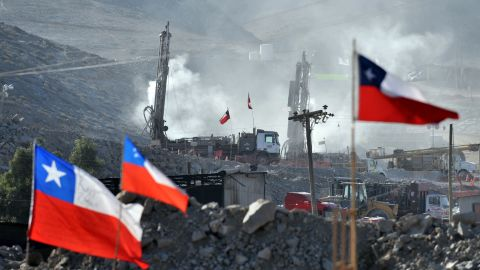 Drilling machines work in the rescue operation on August 24.