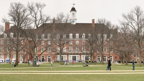 University of Illinois Urbana, where there has been an outbreak of mumps.