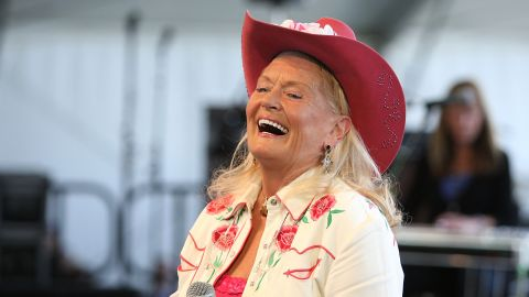 """<a href=""""http://www.cnn.com/2015/07/31/entertainment/lynn-anderson-singer-rose-garden-dies-feat/index.html"""" target=""""_blank"""">Lynn Anderson</a>, whose version of the song """"(I Never Promised You A) Rose Garden"""" was one of the biggest country hits of the 1970s, died on July 30. She was 67."""