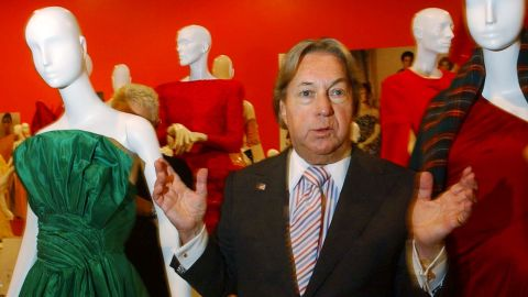 """Fashion designer <a href=""""http://www.cnn.com/2015/08/04/fashion/new-york-arnold-scaasi-death/"""" target=""""_blank"""">Arnold Scaasi</a>, whose flamboyant creations adorned first ladies, movie stars and socialites, died August 4 of cardiac arrest. He was 85."""