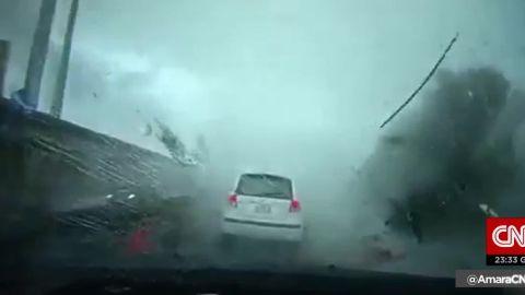 typhoon sweeps car taiwan cnntoday_00004310.jpg