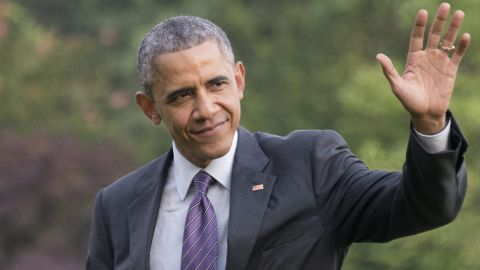 WASHINGTON, DC - JULY 01:  (AFP OUT) U.S. President Barack Obama waves to guests as he arrives on the South Lawn of the White House on July 1, 2015  in Washington, DC. Obama travelled to Nashville to hold an event where he discussed ways to improve the Affordable Care Act, including extending Medicaid coverage to more low-income people.  (Photo by Ron Sachs - Pool/Getty Images)