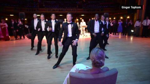 groom wedding dance viral orig _00000828.jpg