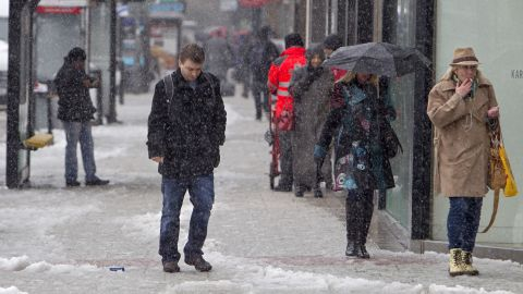 """You may hate the <a href=""""http://money.cnn.com/2015/08/03/news/offices-too-cold-for-women/"""">subzero temperatures in your office</a>, but that uncontrollable shivering is probably keeping you from gaining weight. A recent small study found that people burned 438 more calories in a room that was 60 degrees than in an 81-degree room. At that rate, you could burn about 18 calories in an hour just by being a tad chilly."""