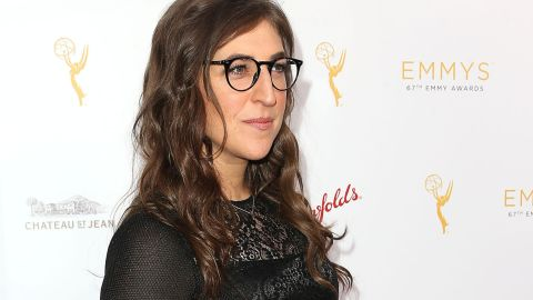 BEVERLY HILLS, CA - AUGUST 24:  Actress Mayim Bialik attends the Television Academy's Performers Peer Group Hold Cocktail Reception to Celebrate the 67th Emmy Awards at the Montage Beverly Hills Hotel on August 24, 2015 in Beverly Hills, California.  (Photo by Frederick M. Brown/Getty Images)