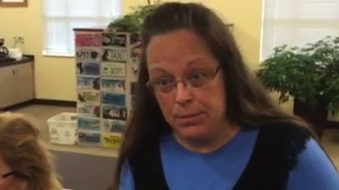 Clerk defies Supreme Court marriage licenses sot_00005601.jpg