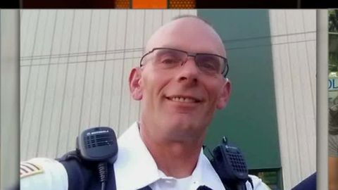 illinois police officer surveillance video gun recovered flores nr_00003917.jpg