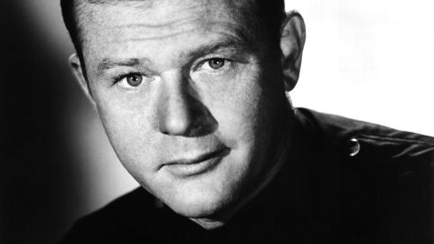 """<a href=""""http://www.cnn.com/2015/09/07/entertainment/martin-milner-actor-obit-feat/index.html"""" target=""""_blank"""">Martin Milner</a>, who starred in the hit '60s and '70s TV shows """"Adam 12"""" and """"Route 66,"""" died September 6, according to Los Angeles Police Chief Charlie Beck. He was 83."""