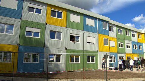 germany berlin inside refugee shelters shubert pkg_00004102.jpg