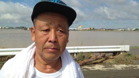 Rice farmer Shigeo Terada, 66, traveled to the stricken city of Joso, Ibaraki Prefecture, to help a relative.