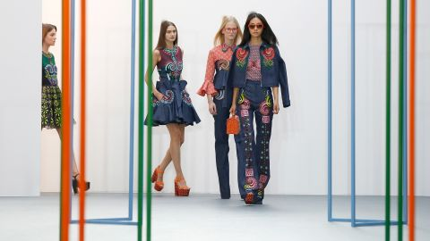 Holly Fulton took inspiration from another surrealist: British painter Eileen Agar. The room was overflowing with spectators squeezed into the rows and filling the standing areas.