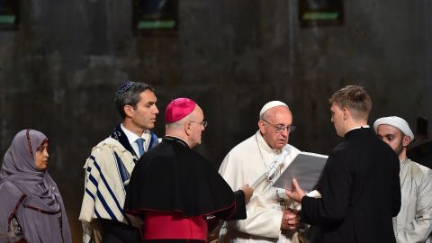 Francis attends a multireligious service at the 9/11 memorial.