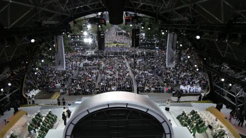 A huge crowd gathers to celebrate Mass with Pope Francis on September 27 in Philadelphia.
