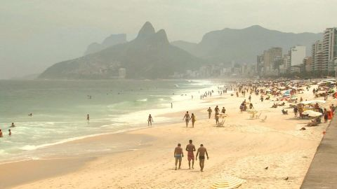 brazil beach robberies darlington pkg_00003125.jpg