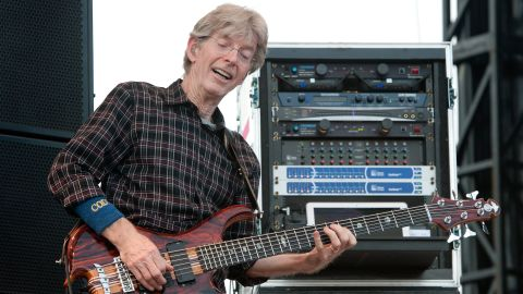 """Grateful Dead bassist Phil Lesh took to <a href=""""https://www.facebook.com/TerrapinCrossroads/posts/905618469521331"""" target=""""_blank"""" target=""""_blank"""">Facebook to reveal</a> he was battling bladder cancer. In an apology to fans for canceling a pair of concerts, Lesh announced he's received treatment at the Mayo Clinic and his prognosis is good."""