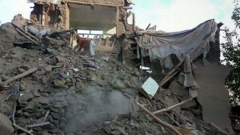 science behind south asia quake sater livehit cnni newsroom_00005728.jpg