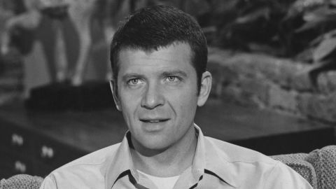 """Actor Robert Reed, who starred as father Mike Brady in """"The Brady Bunch,"""" <a href=""""http://abcnews.go.com/2020/story?id=132724&page=1"""" target=""""_blank"""" target=""""_blank"""">never came out as gay or HIV-positive in his lifetime</a>. After he died of cancer in 1992, <a href=""""http://www.nytimes.com/1992/05/20/us/hiv-contributed-to-death-of-robert-reed-doctor-says.html"""" target=""""_blank"""" target=""""_blank"""">his death certificate included HIV as a contributing factor.</a>"""
