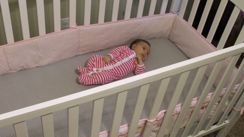 Safety experts want crib bumpers banned