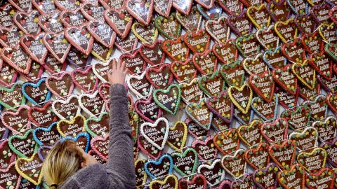 A vendor arranges hundreds of gingerbread hearts at theChristmas market inPotsdam, Germany.