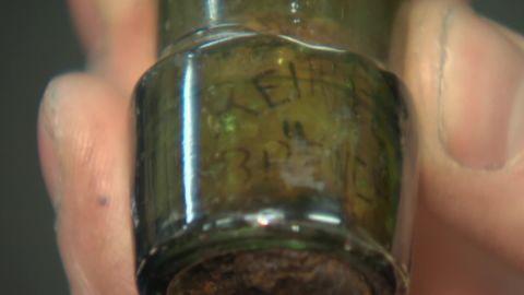 beer bottle 1800s dnt _00001712.jpg