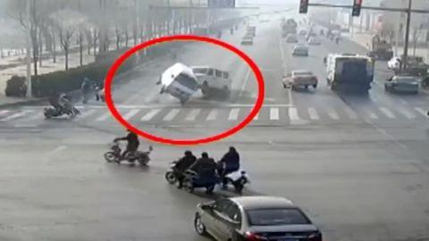 cars china traffic levitate vo_00001016.jpg