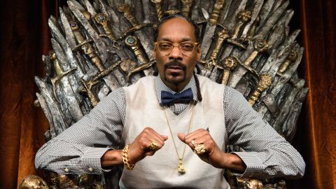 Snoop Dogg has now added nature-watcher to his résumé.