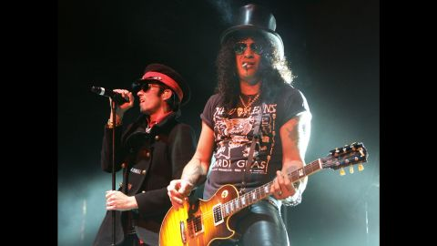Weiland and Slash perform with Velvet Revolver in Las Vegas in September 2007. Weiland was the lead singer for the supergroup formed by former Guns N' Roses members.