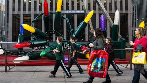 NEW YORK, NY - DECEMBER 10:  Children walk down Sixth Avenue wearing t-shirts thanks to 60 degree weather on December 10, 2015 in New York City. Temperatures have been unusually warm despite the winter season.  (Photo by Andrew Burton/Getty Images)