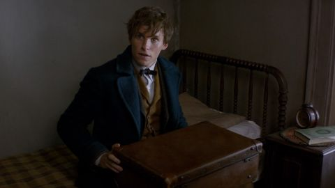 """Eddie Redmayne stars in Harry Potter prequel """"Fantastic Beasts and Where to Find Them."""""""