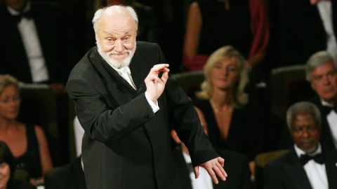 """<a href=""""http://www.cnn.com/2015/12/19/living/kurt-masur-philharmonic-conductor-dies-feat/index.html"""" target=""""_blank"""">Kurt Masur</a>, the legendary German music conductor credited with transforming the New York Philharmonic into an orchestra of international renown, died December 19. He was 88."""