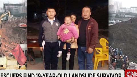 father hoping for miracle in china landslide search_00002621.jpg