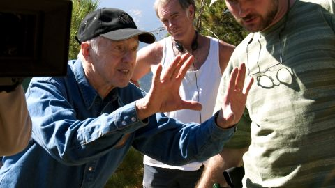 """<a href=""""http://www.cnn.com/2015/12/28/entertainment/haskell-wexler-dead-feat/index.html"""" target=""""_blank"""">Haskell Wexler</a>, the influential cinematographer who won Oscars for his work on 1966's """"Who's Afraid of Virginia Woolf?"""" and 1976's """"Bound for Glory,"""" died Sunday, December 27, his son said. He was 93."""