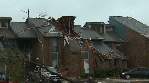 weather flooding Garland Texas Tornado dnt Machado ac_00005112.jpg