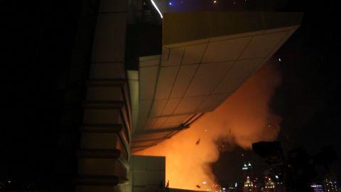 dubai uae escaping hotel fire jensen pkg_00011002.jpg