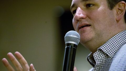 Republican presidential candidate U.S. Sen. Ted Cruz (R-TX) speaks at Charlie's Steakhouse on January 4, 2016 in Carroll, Iowa.