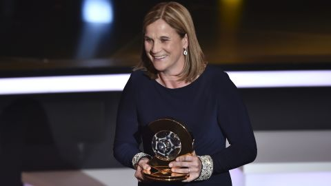 Ellis was named the 2015 FIFA World Coach of the Year.